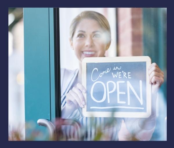 restauracja tabliczka otwarta